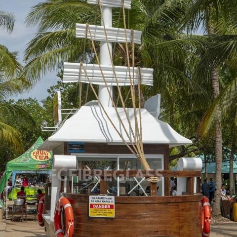 booth fiberglass model perahu
